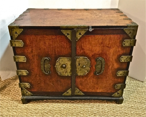 19TH C. KOREAN SMALL CHEST