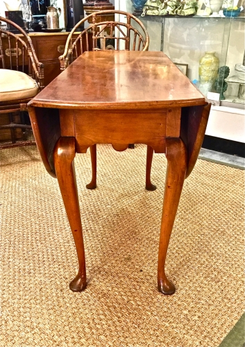 PERIOD QUEEN ANNE DROP LEAF TABLE c.1770-80