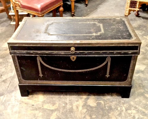 LATE REGENCY CHINESE EXPORT LEATHER TRUNK, c.1840