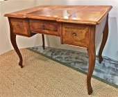 WALNUT CLERK'S DESK, 19th c.